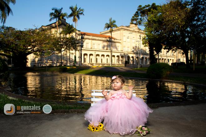 Princesa Bettina em seu jardim de inverno. Copyright © 2015 – Todos os direitos reservados à MGonzales